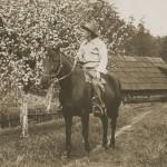 Draycott on Horse 1944