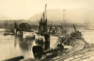 2nd Narrows Bridge Construction 1925. NVMA 9736