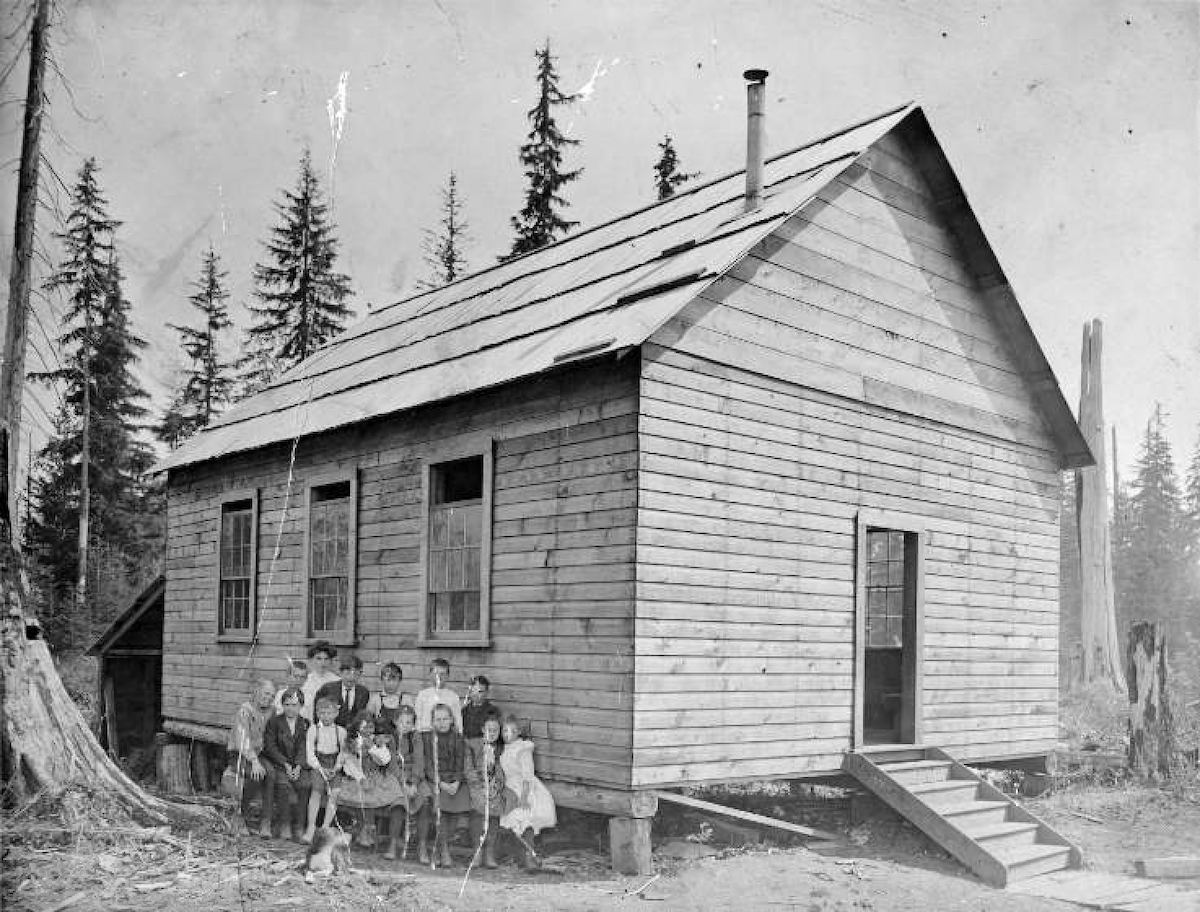 First Lynn Valley School on Church Road which opened in 1904. Miss Whiteley was the first teacher. Photo: NVMA 6648